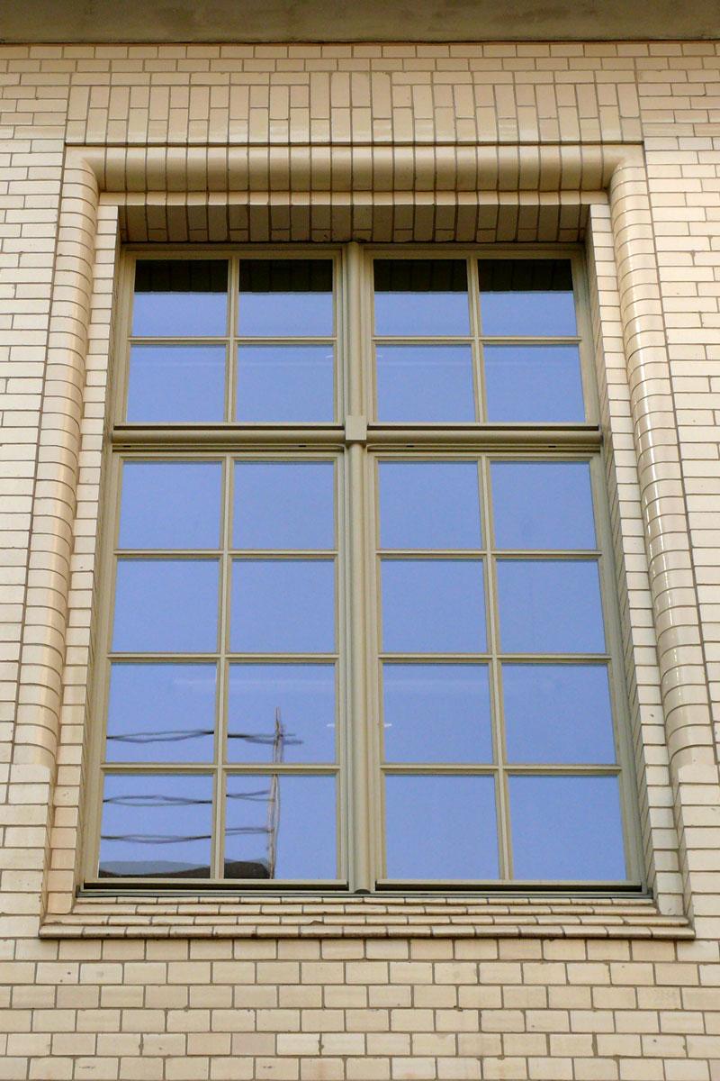timm-fensterbau-berlin-fenster-staatsbilbliothek-isolierglasfenster-aussen