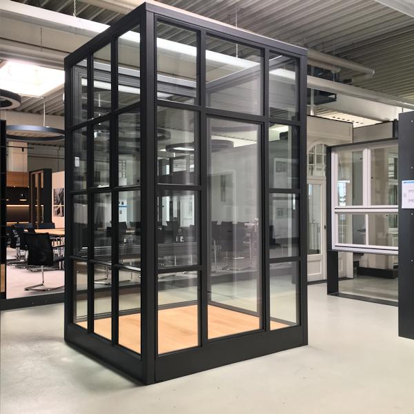 timm-fensterbau-erlebniswelt-showroom-stahl-kaefig