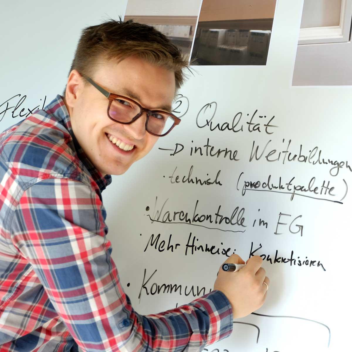 Timm Fensterbau, Karriere: Werkstudent